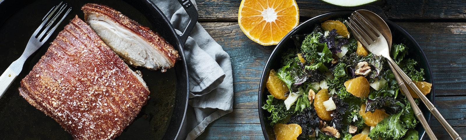 Citrusstegt svinesteg & citrus-kålsalat