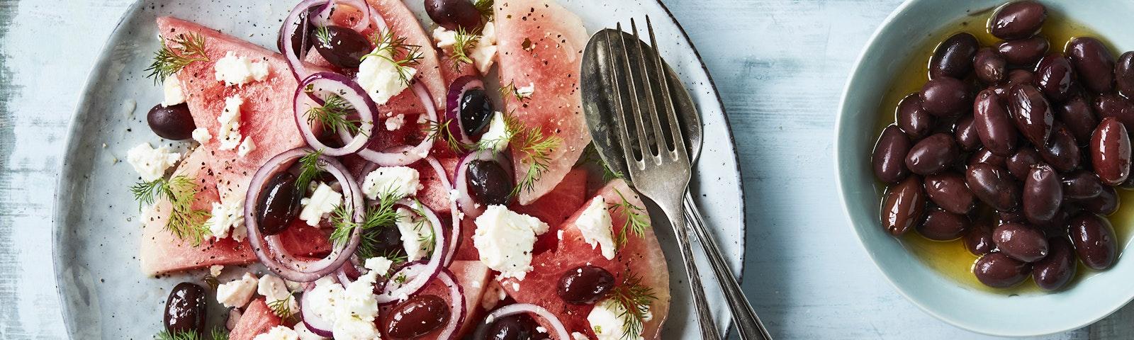 Vattenmelonsallad med feta och oliver