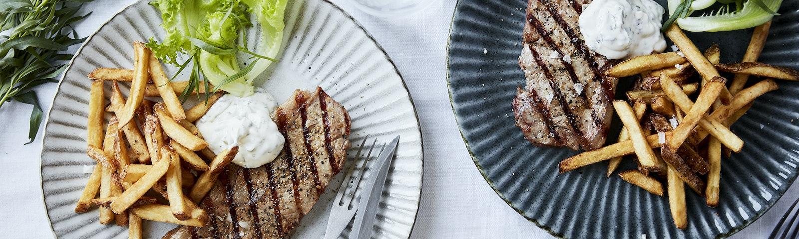Grillbøf med bearnaisedip & fritter