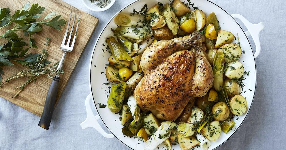 Ovnbagt Kylling Med Kartofler Porrer Citron Opskrifter Netto