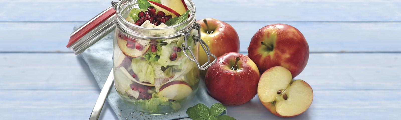 Salat mit Apfel und Minze