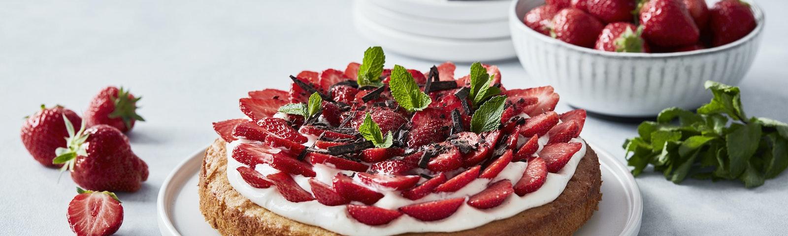 Jordbærtærte med mazarinbund og vaniljecreme