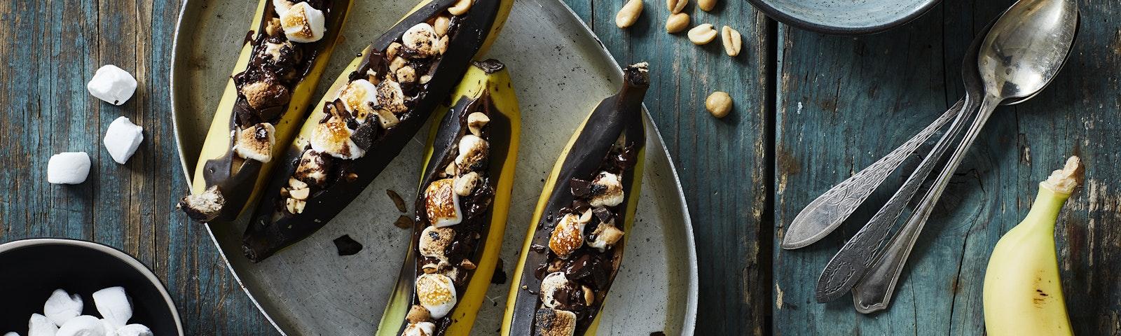Grillede bananer med chokolade og skumfiduser