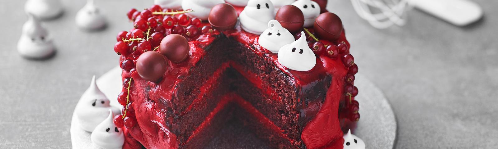 Halloweenkage med marengsspøgelser